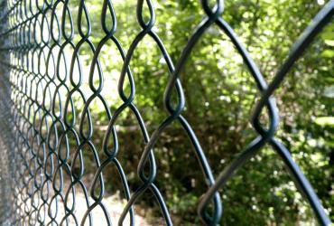 ibv - 4 hranne pletivo retic 370x250 - Oplotenie záhrady rýchlo a jednoducho